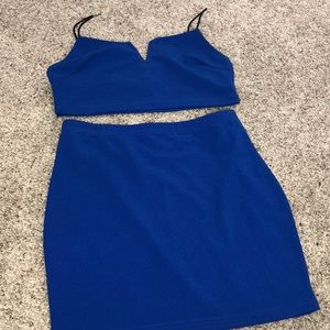 Neck cami top and a body on skirt